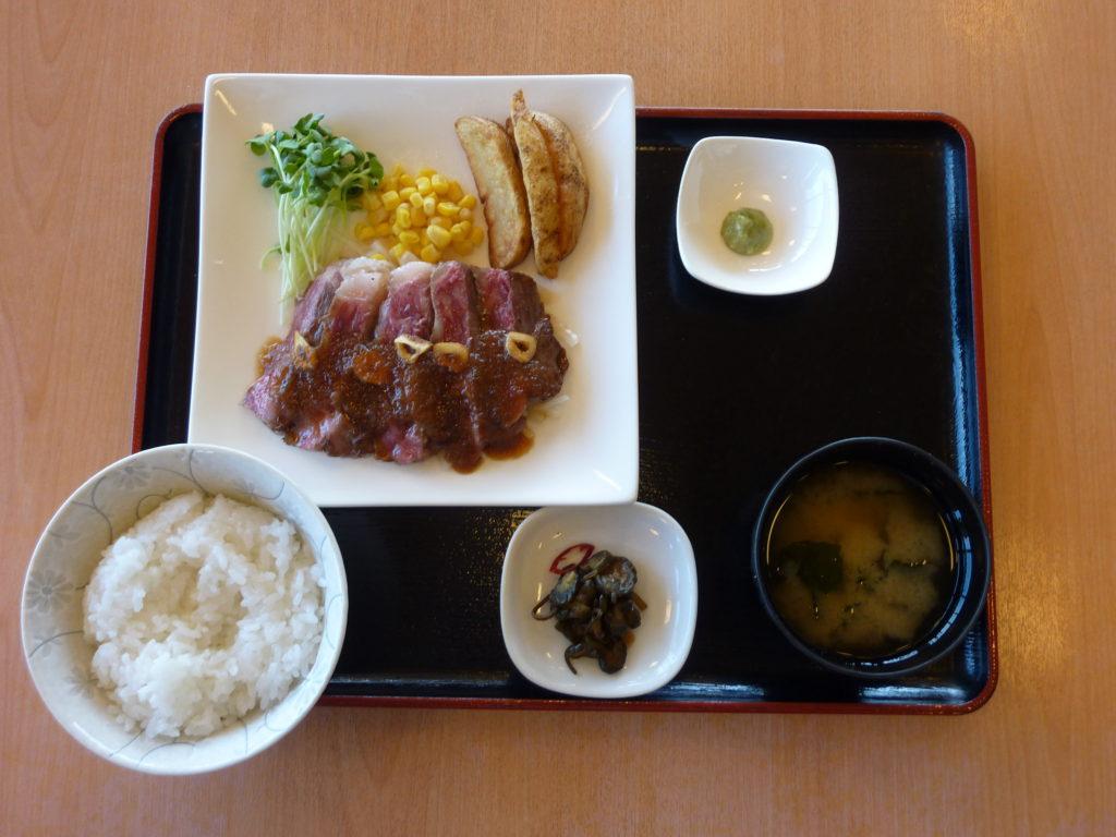 蓼科牛ステーキ定食